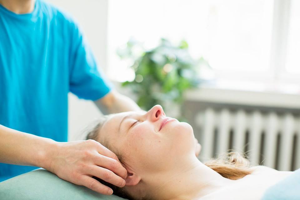 Hieronnasta ja akupunktiohoidosta saat apua monenlaisiin vaivoihin